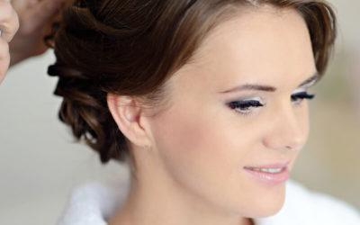 Waar moet ik op letten bij het kiezen van een bruidskapsel?